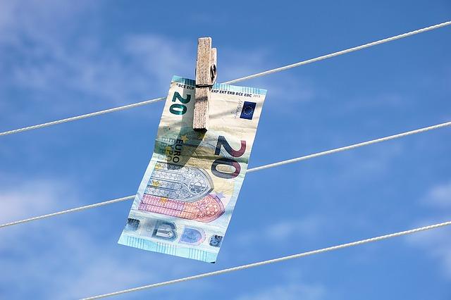 Geldschein-leine-wäscheklammer